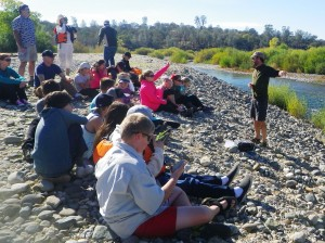 Salmon life cycle lesson on the Yuba Riverbank (Photo: Kelly Hickman)